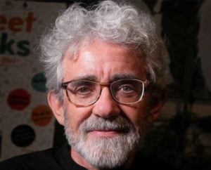 Stringere l'acqua – Incontro di riflessione sulla poesia e l'infanzia con Bruno Tognolini.